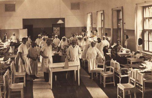 Ārsti Rīgas pilsētas 1. slimnīcā.